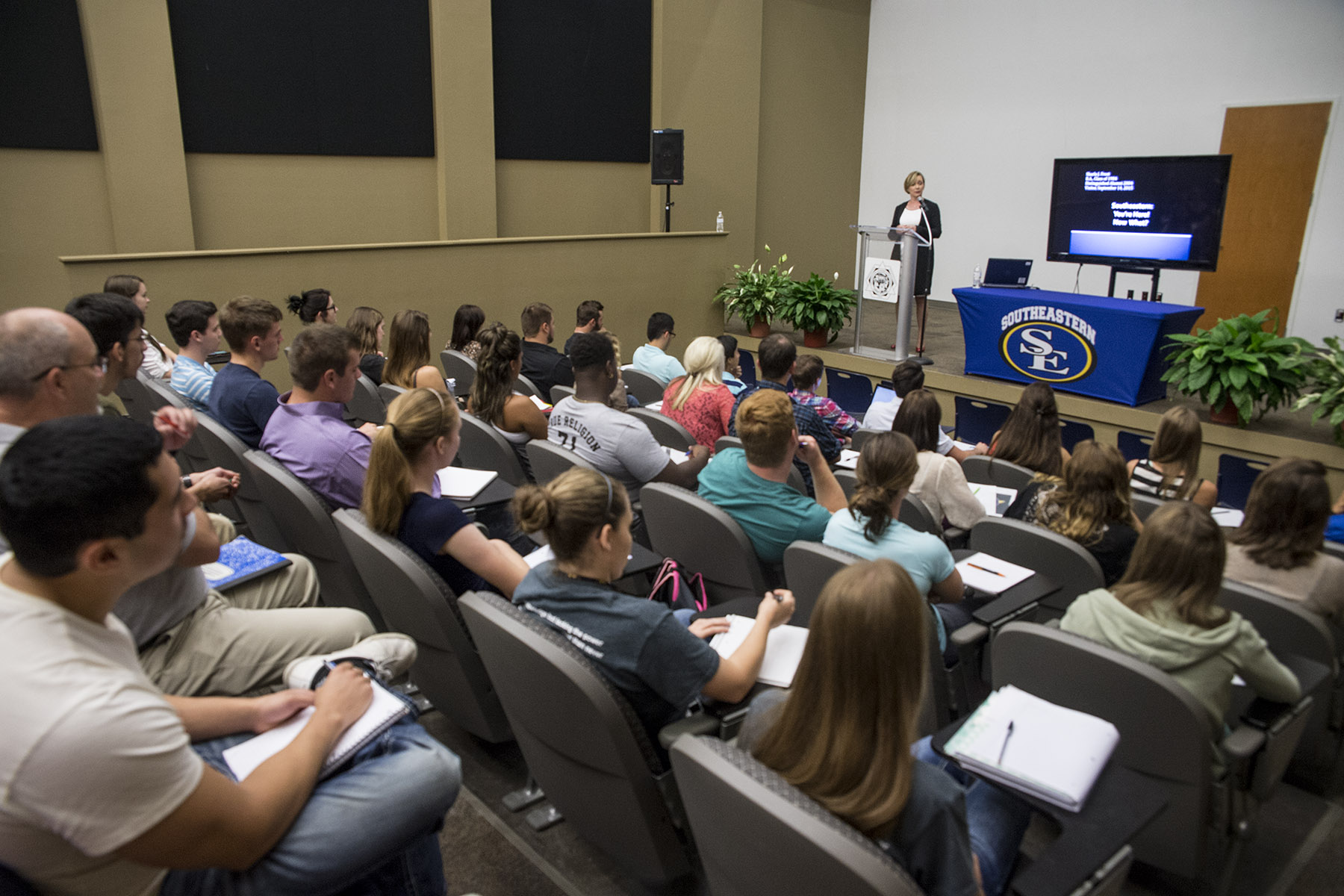 Sharla Frost Speaks to Students at Southeastern Oklahoma
